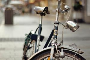 Pyörävaraston siivous kannattaa hoitaa pari kertaa vuodessa tai aina silloin, kun varasto alkaa täytyyä.