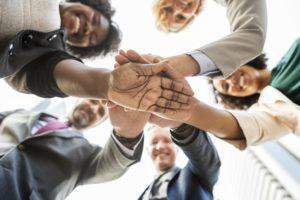 Päätöksenteko taloyhtiössä vaatii kykyä tehdä yhteistyötä ja asettaa yhteinen etu oman hyöydyn edelle.