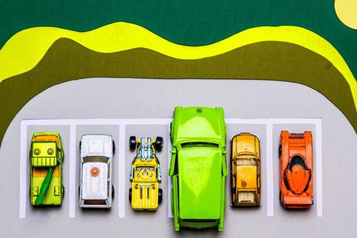 Kotitalo listaa ratkaisut taloyhtiöiden parkkipaikkaongelmiin