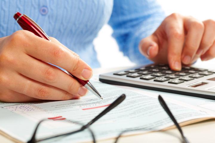 Taloyhtiön tilinpäätös sisältää paljon tärkeää tietoa taloyhtiön taloudesta. Tilinpäätös koostuu toimintakertomuksesta, tuloslaskelmasta, taseesta, tase-erittelystä sekä liitetiedoista.