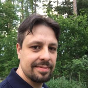 Toimittaja Tuomas Lehtonen