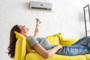 Taloyhtiössä on huoneistojen viilentämiseen käytännössä kolme tietä: kaukojäähdytys, maaviileä ja ilmalämpöpumpun asentaminen.