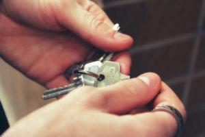 Kun on vuokraamassa asuntoa, ei kannata jättää sopimista puolitiehen