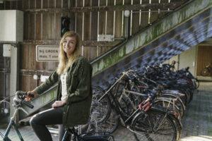 Pyörien säilytys vaikuttaa asumisviihtyvyyteen. Pyöräparkin voi järjestää myös avoimeen tilaan, kuten Hollannissa on tehty.
