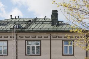 Vaasan ratas oli huonokuntoinen taloyhtiö, kun Rinteet muuttivat siihen, mutta nyt taloa korjataan.