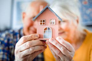 Ikääntyneiden asuminen ei poikkea tärkeiden asioiden osalta muista ikäryhmistä: palveluiden ja harrastuspaikkojen läheisyys on tärkeää.
